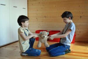 http://childresearch.ru/wp-content/uploads/2020/09/deviantnoe-povedenie-scaled-300x200.jpg